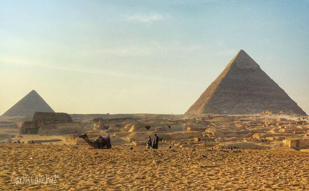 Compañía #company      #piramides #pyramids #camel #father #sand #sun #hot #desert #love #travel #turismo #tourism #beautiful #stone #old #culture