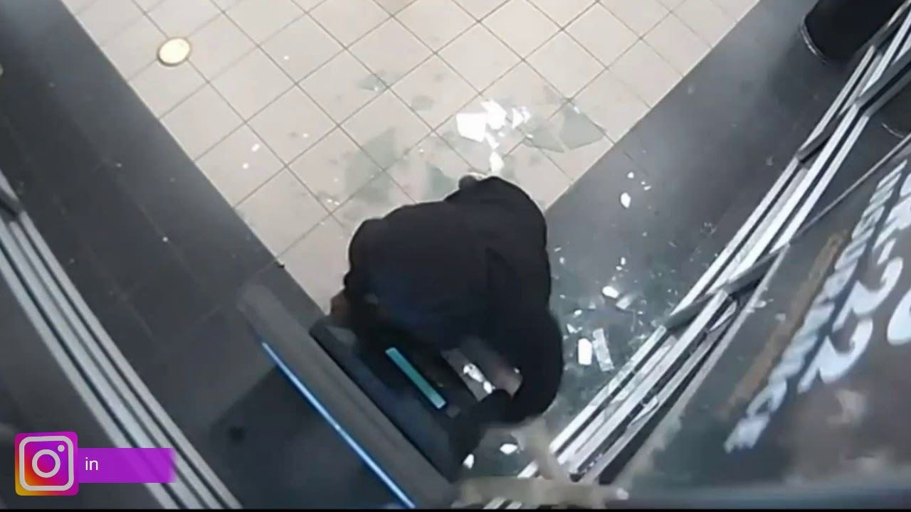 Aggravated Robbery At The Pls Check Cashing Cctv Installers California Check Cashing Robbery Aggravated