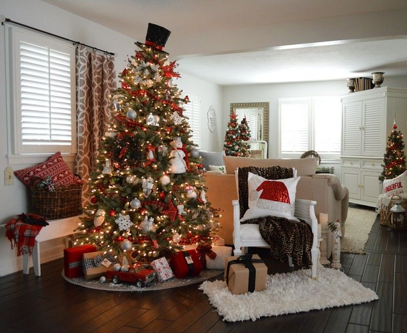 Cottage Christmas Home Tour With Country Living. Christmas Tree ToppersXmas  ...