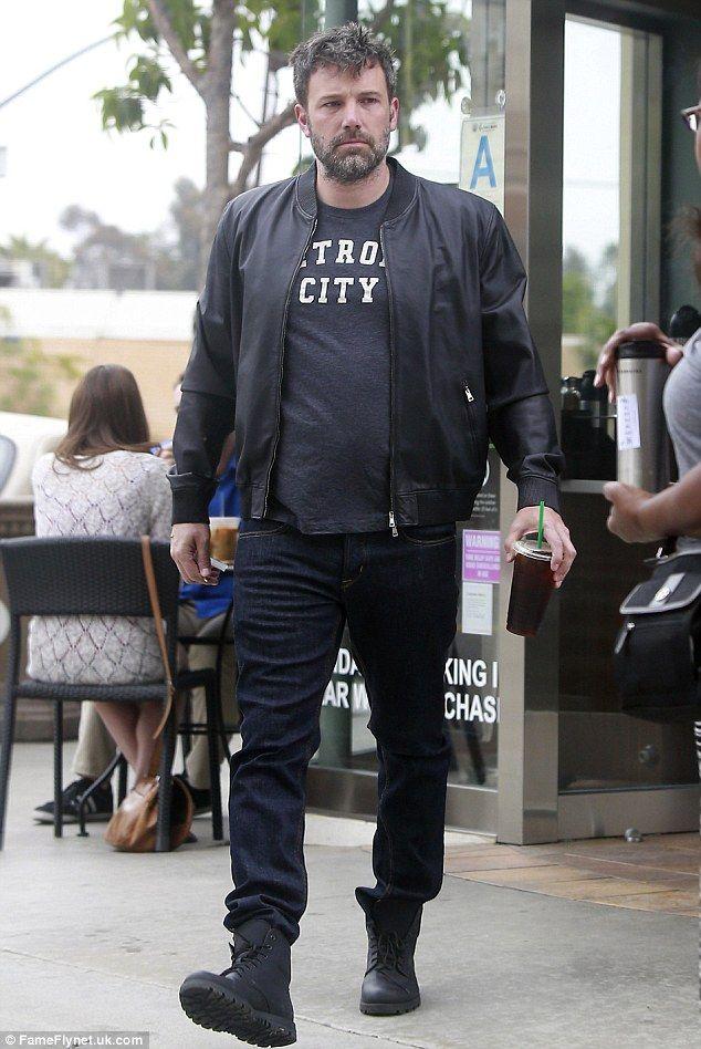 Exhausted Ben Affleck Reveals Tattoo On His Lower Back After Divorce Ben Affleck Batman V Jennifer Garner