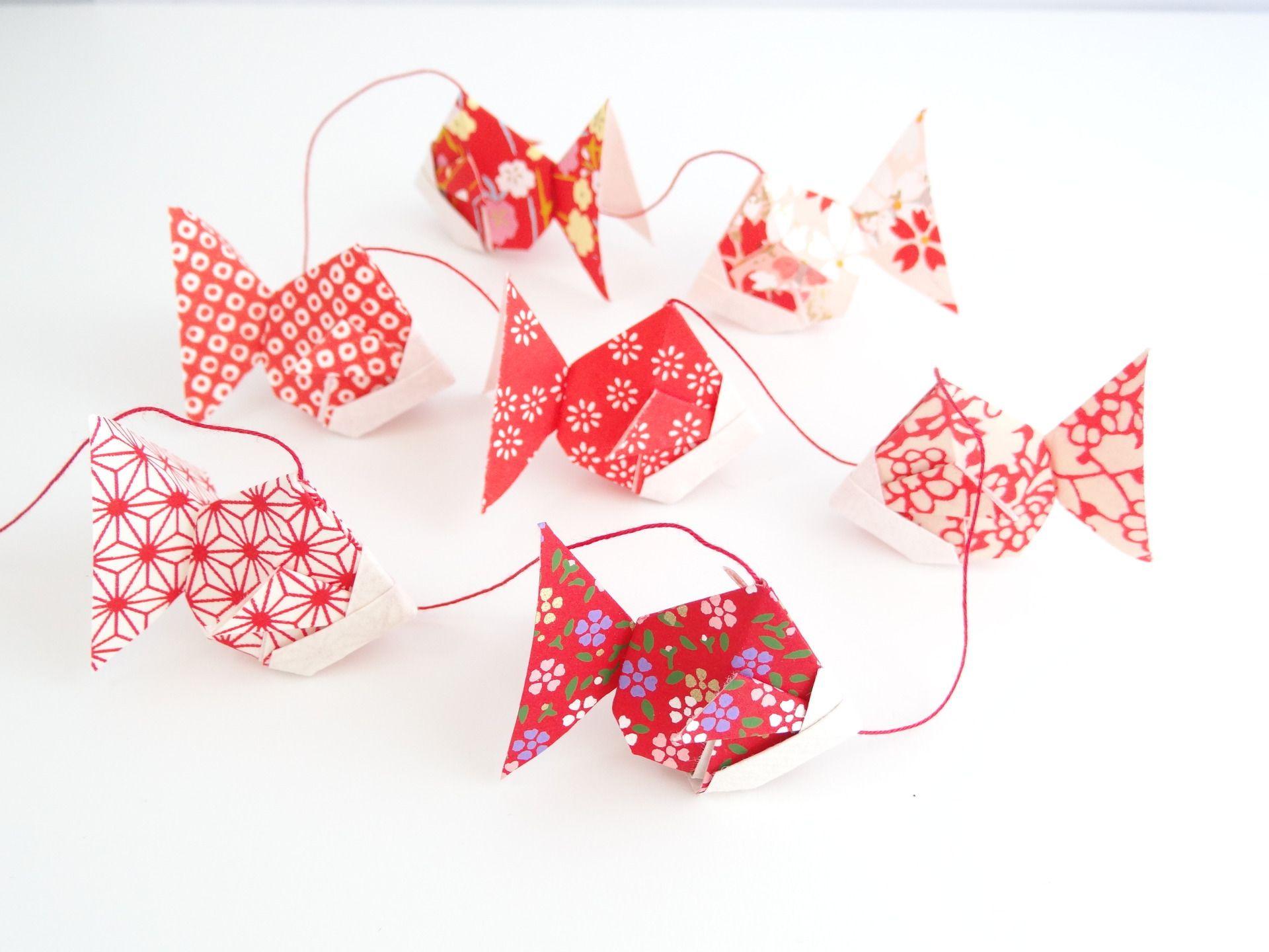 Origami guirlande de poissons en papier japonais rouge for Deco poisson rouge