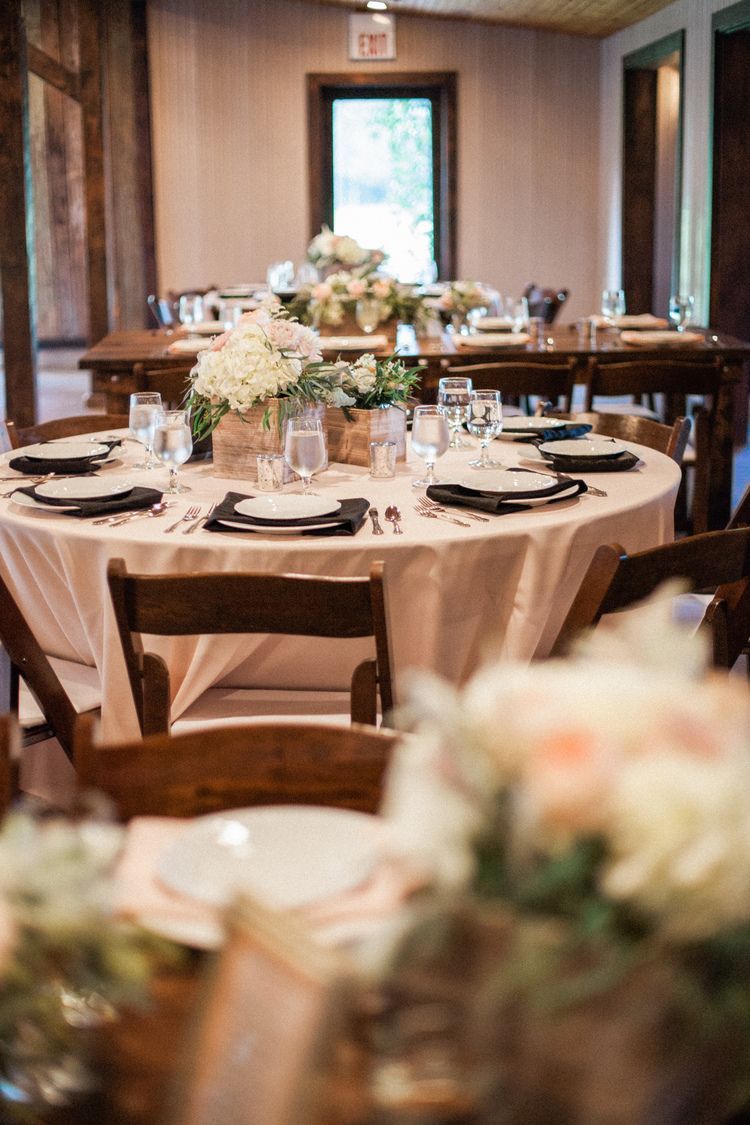 Tenille + Chris Carriage House // Receptions Magnolia