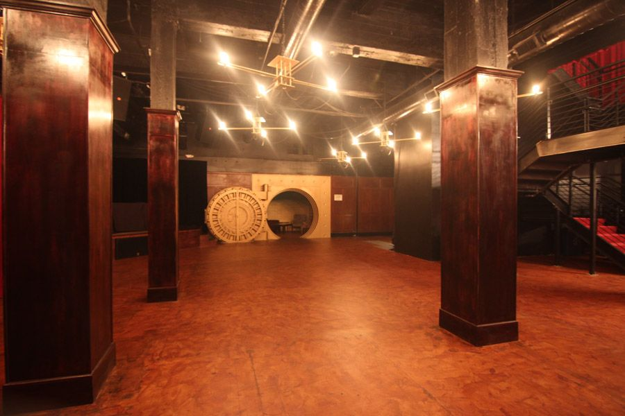 http://www.grindofficial.com/entertainment/8-underground-bars-around-the-world-youll-consider-going-subterranean-for/