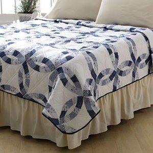 Amazon Com Sarah Blue Wedding Ring Print Quilt King Size Bedding Bath Blue Wedding Rings Printed Quilt King Size Quilt