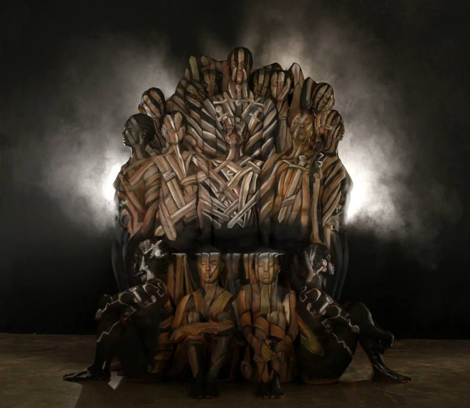 game of thrones bodypainted iron throne