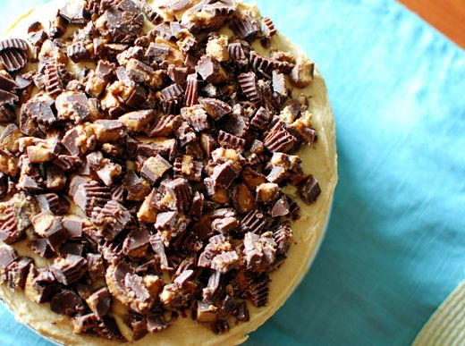 thebakedbeen: reeses cake