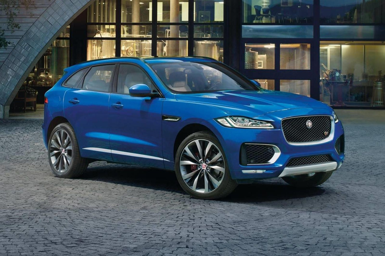 A Used Jaguar F Pace Is A Stunning Luxury Suv Bargain It Now Costs Less Than A New Toyota Rav4 In 2020 Jaguar Suv Luxury Suv Jaguar Usa