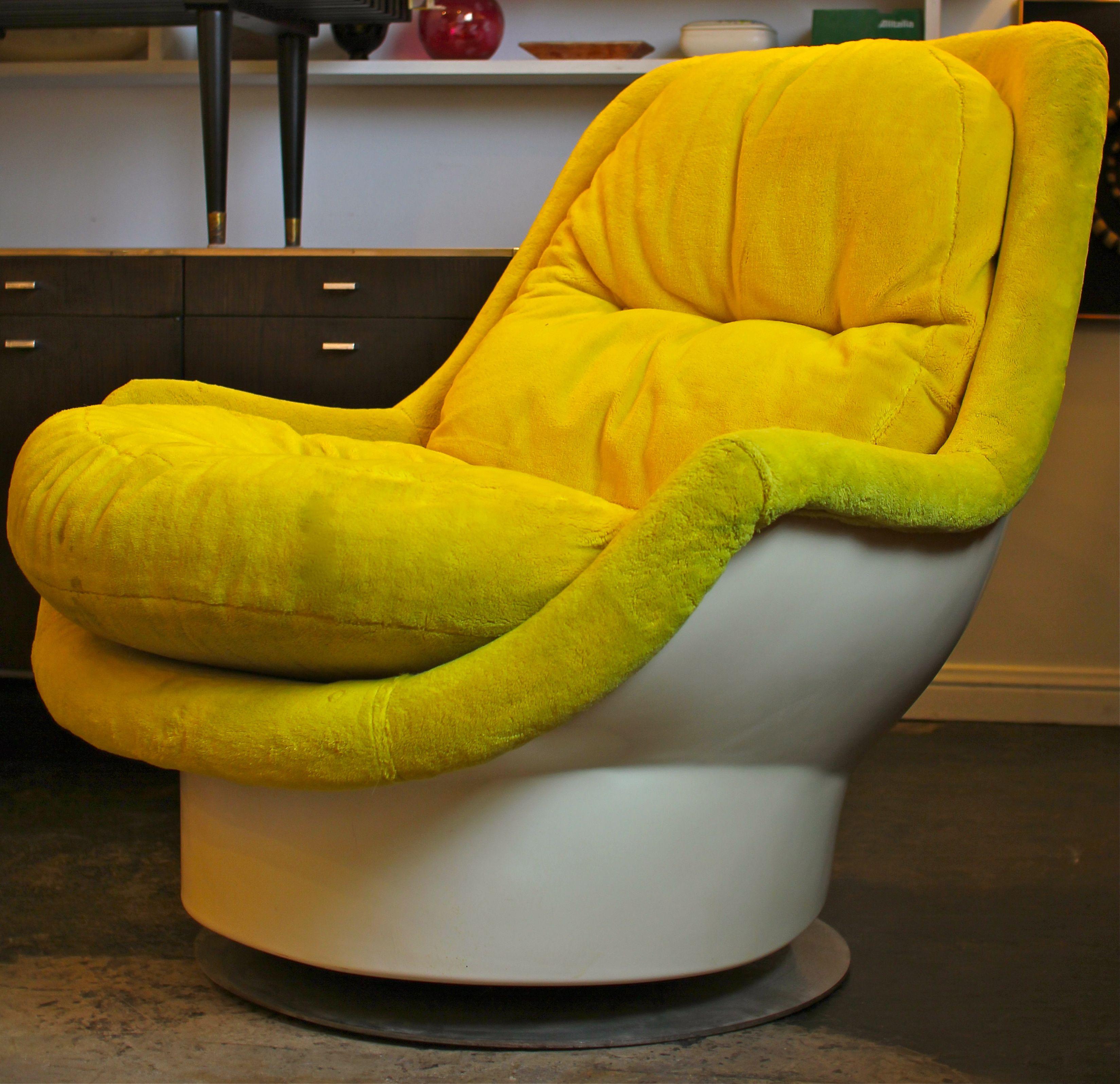 Chromcraft Space Age Furniture | Fiberglass Lounge Chair by Milo ...