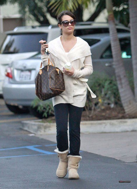 Bailey Lea Button Ugg Michele In Spotted Wearing SandLindo mNnO0v8wPy