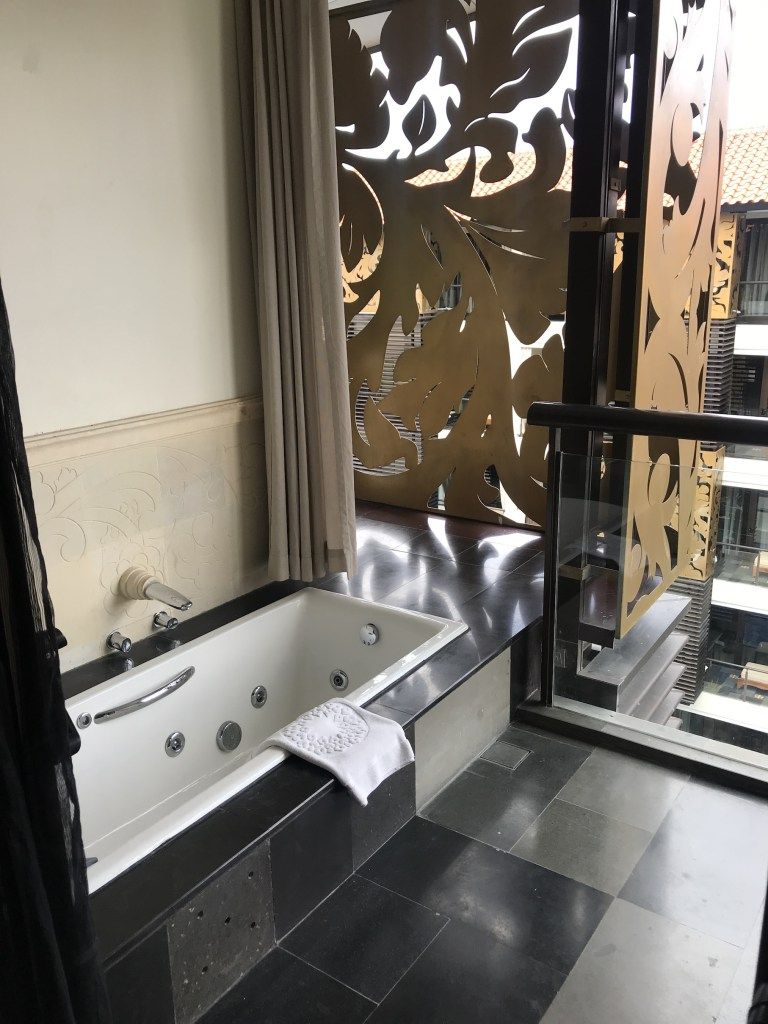 Balcony Tub At Trans Hotel Bali Luxury Hotel Suites In 2019