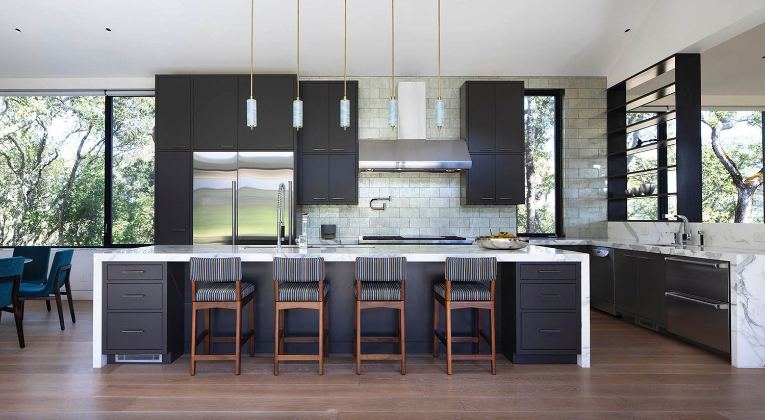 Tour An Absolutely Stunning Modern Farmhouse In Sonoma Wine Country In 2020 Modern Farmhouse Vintage House Architecture House