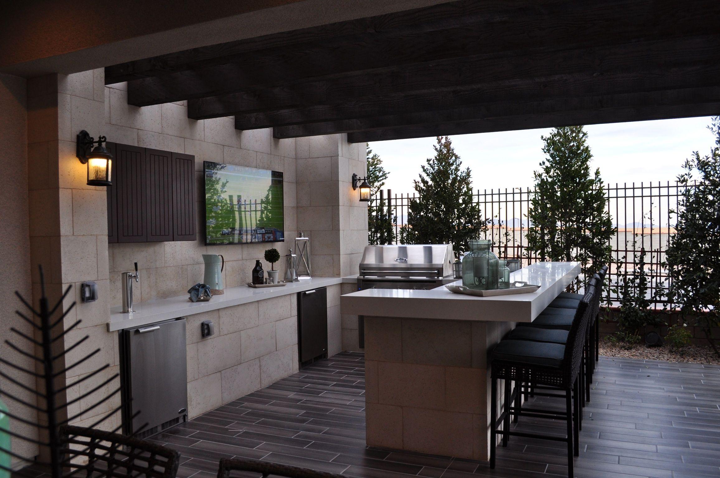 Modern outdoor kitchen 아름다운