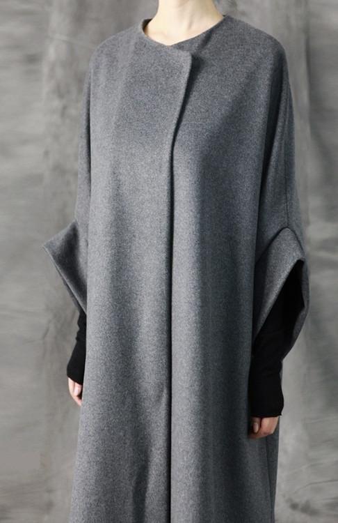 Avangarde Frauen Mantel / Übergroße Überlange Wolle Langarm Minimalist – Ofelya …   – inspiration mode