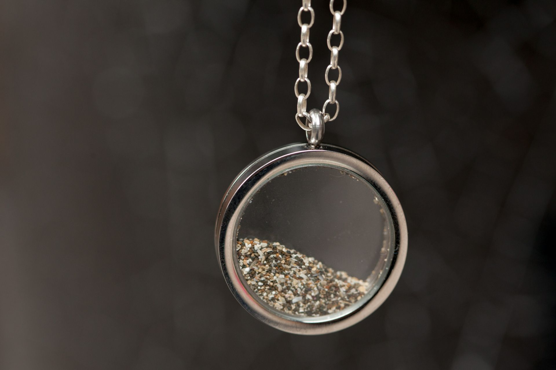 Sand locket (With images) Floating lockets necklaces