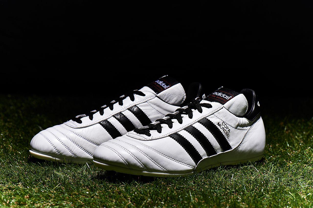 Adidas renueva un clasico con el lanzamiento de un blanco Copa Mundial