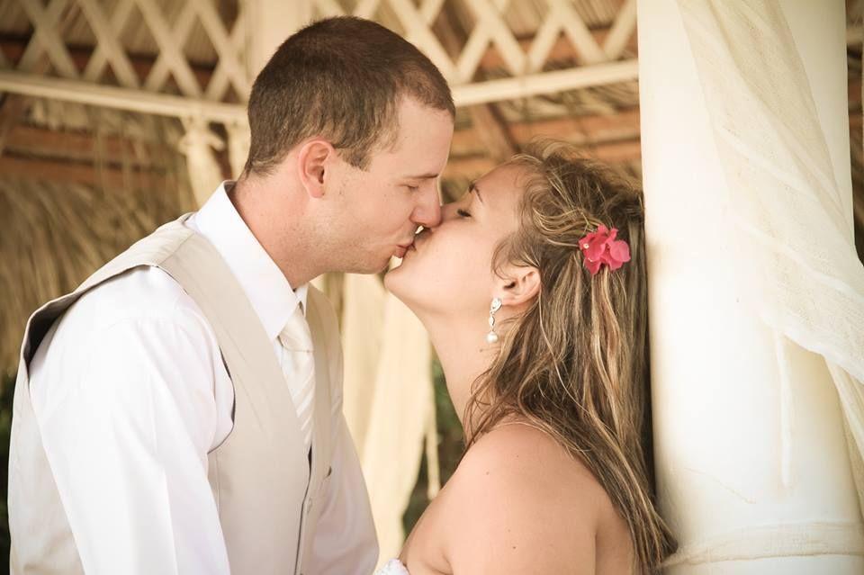 Sébastien Turcotte - Photographe, Caméraman Spécialisé en Photo et Vidéo de Mariage et Mariage à l'Étranger (SUD)      https://www.facebook.com/stphotographie?