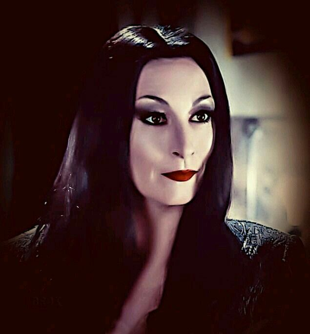 anjelica huston as morticia addams in the addams family. Black Bedroom Furniture Sets. Home Design Ideas