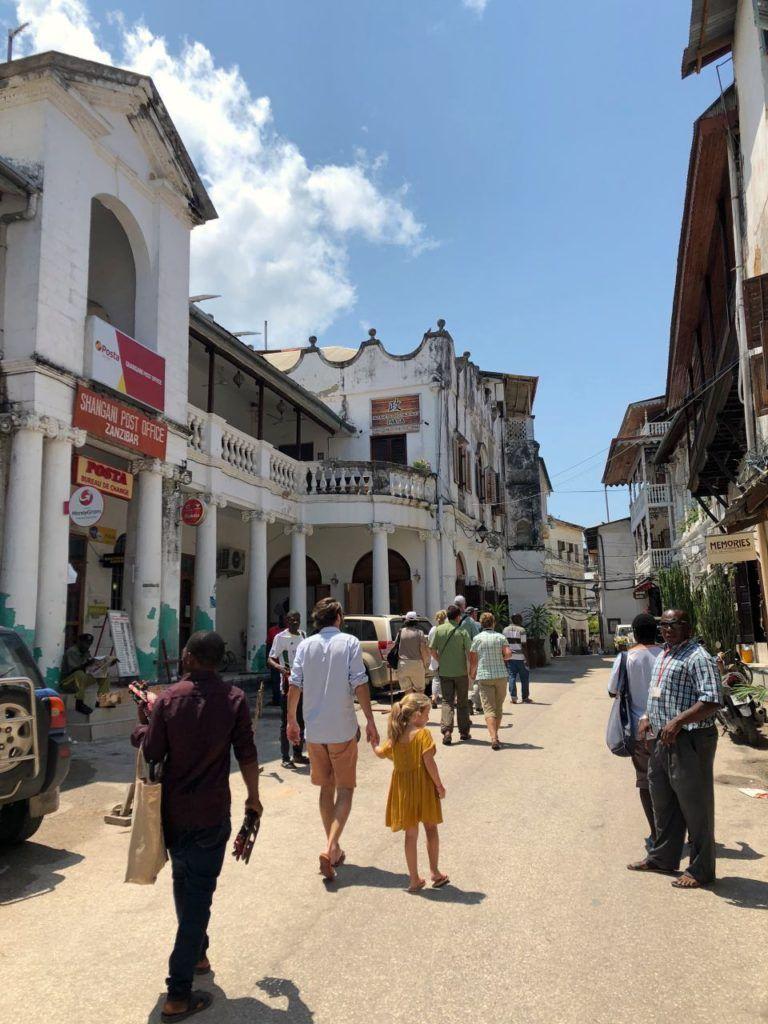 Cityguide Pour Visiter Stone Town Zanzibar Poesy By Sophie Voyage Zanzibar Voyage Tanzanie Tanzanie