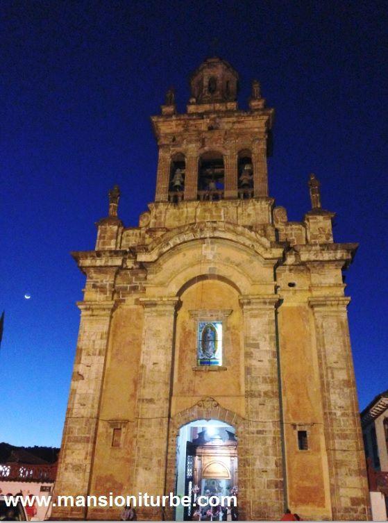 Pátzcuaro uno de los Pueblos Mágicos de México que te encantará, te esperamos en Hotel Mansión Iturbe.