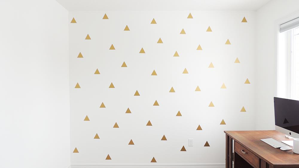 Muurstickers driehoek in goud voor een hippe kamer deze prachtige muurstickers maken jouw - Kleuridee voor een kamer ...