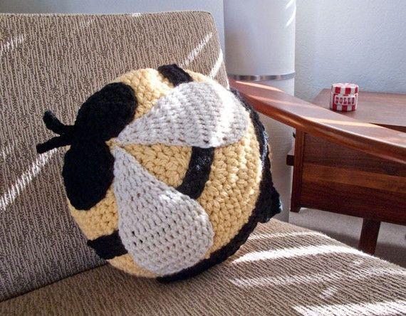 Cute Animal Pillows Diy : cute animal pillow kids funny DIY craft bee Manualidad cojin en forma de abeja divertida ...