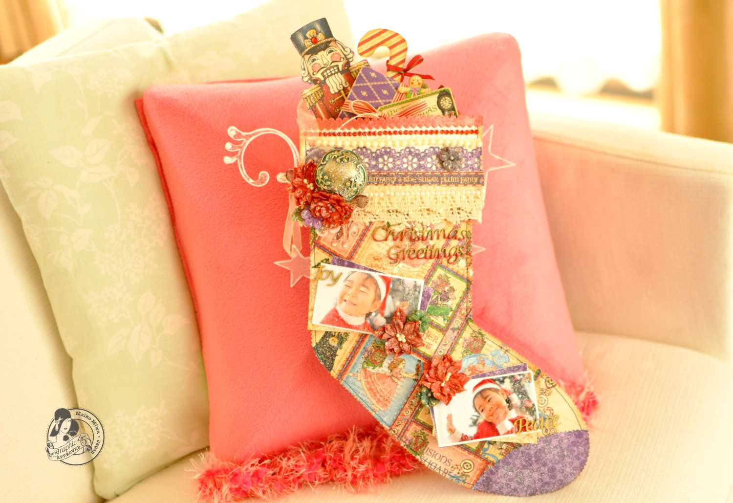 Gorgeous stocking made from Grahic 45's Nutcracker sweet collection and Petaloo's Holiday Darjeeling Flowers.  Designed by Maiko Miwa