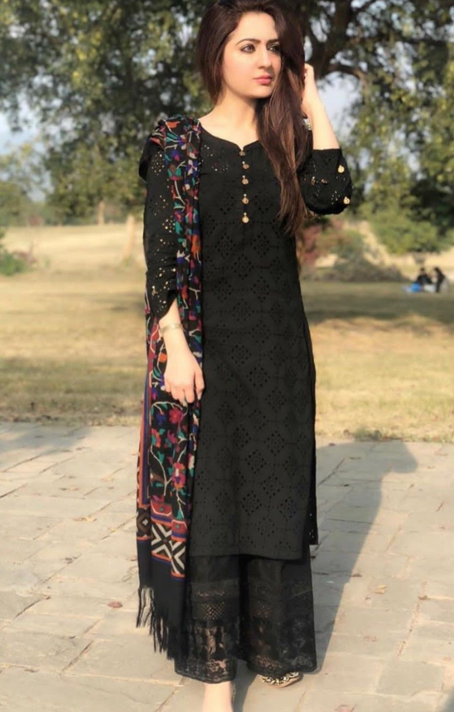 Pin By Inderbir Broca On Black Dresses Dress Indian Style Indian Designer Outfits Indian Fashion Dresses [ 1467 x 935 Pixel ]