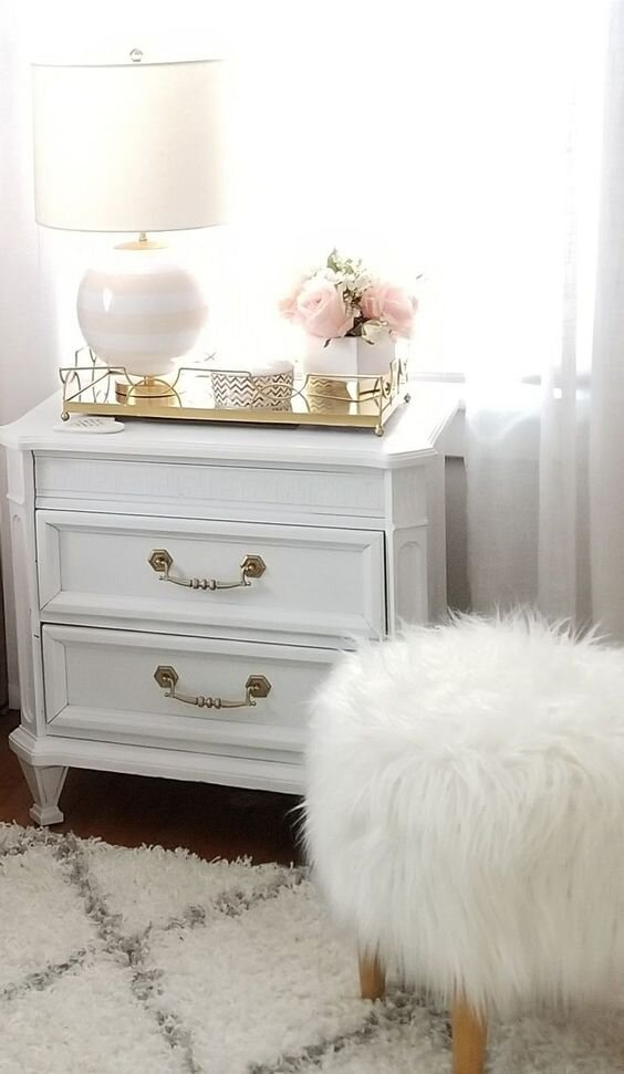 Be Inspired-Style a Beautiful Nightstand