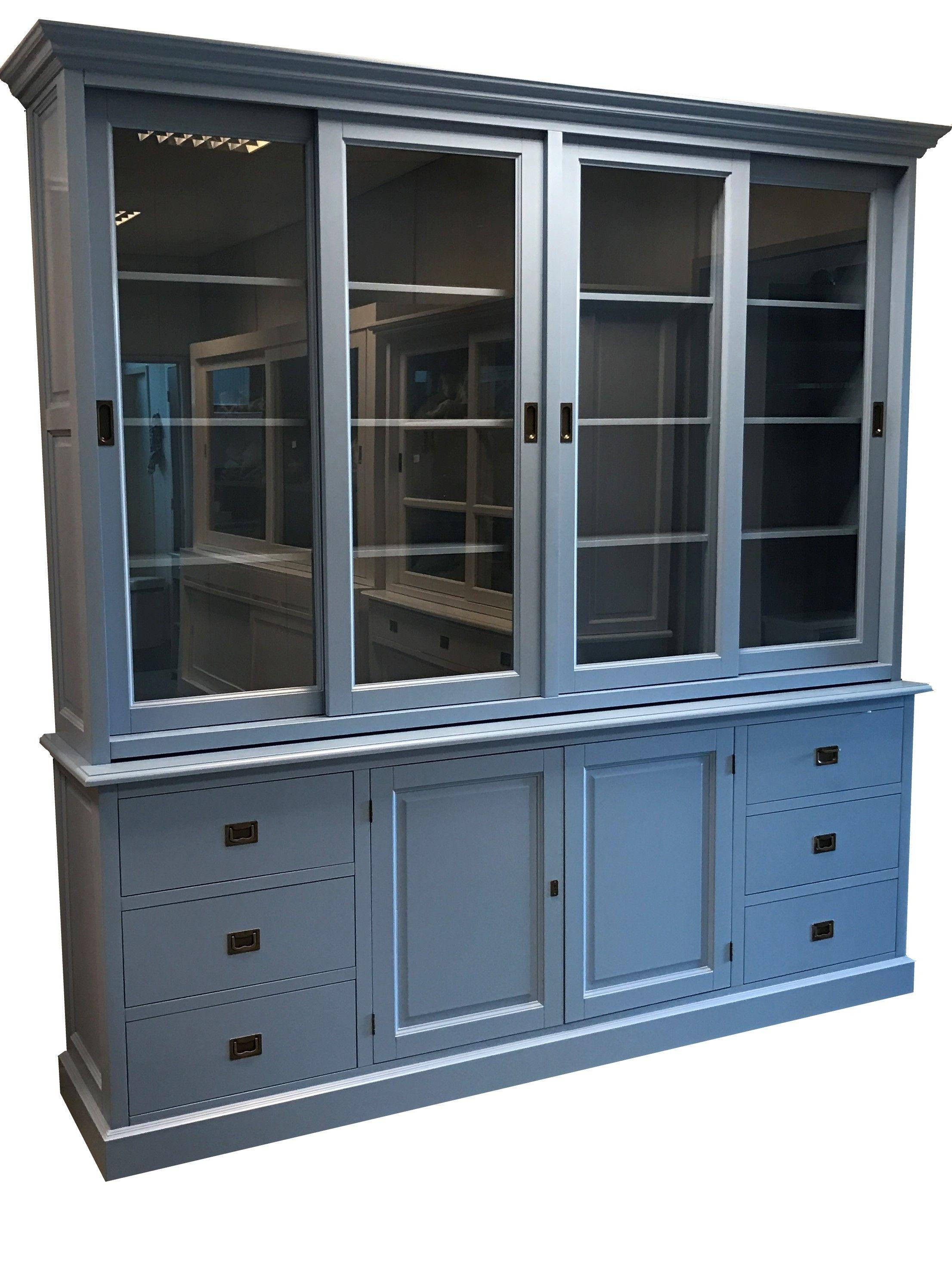 Buffetkast oud blauw Houten 240cm grote sfeervolle kast in oud Engels blauw met luxe soft close laden. Mooie kast in extra hoge uitvoering.