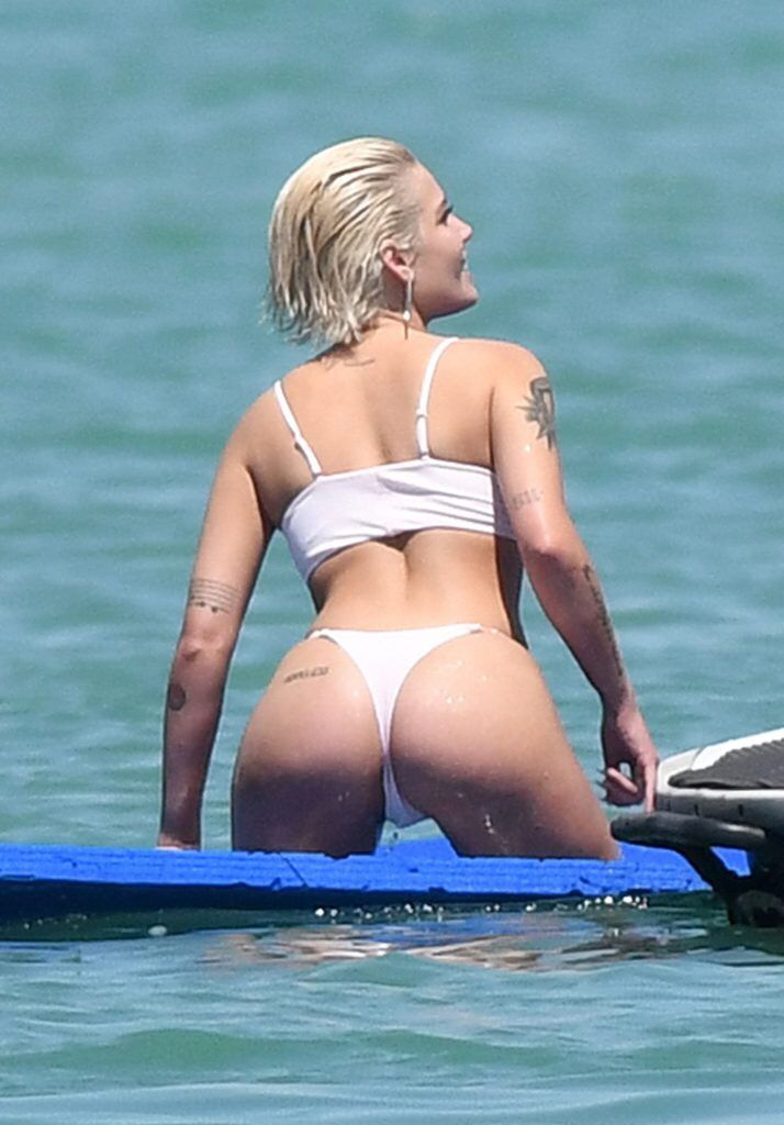 #Halsey Halsey sexy ass in a bikini | What I wish I looked