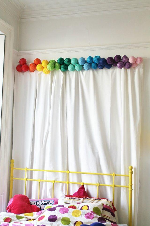 Now that's pretty: DIY Paper Ball Garland