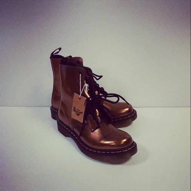 Dr. Martens, size 9--NEW