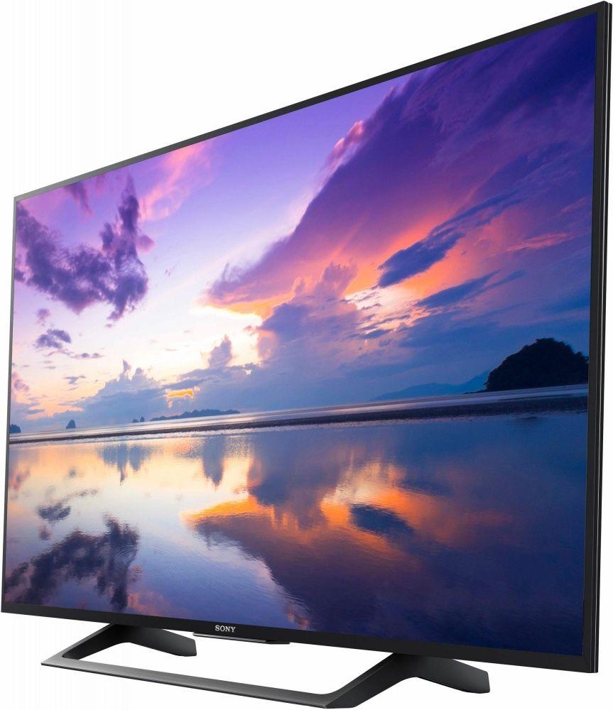 Der Neue TV Für Deine Wohnwand In Deinem Wohnzimmer. Einfach Und Spielende  Übertragung Per Smartphone