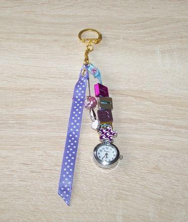 """Bijou de sac / porte clés et sa montre fantaisie """"TIME"""" : Montre par tout-perso"""