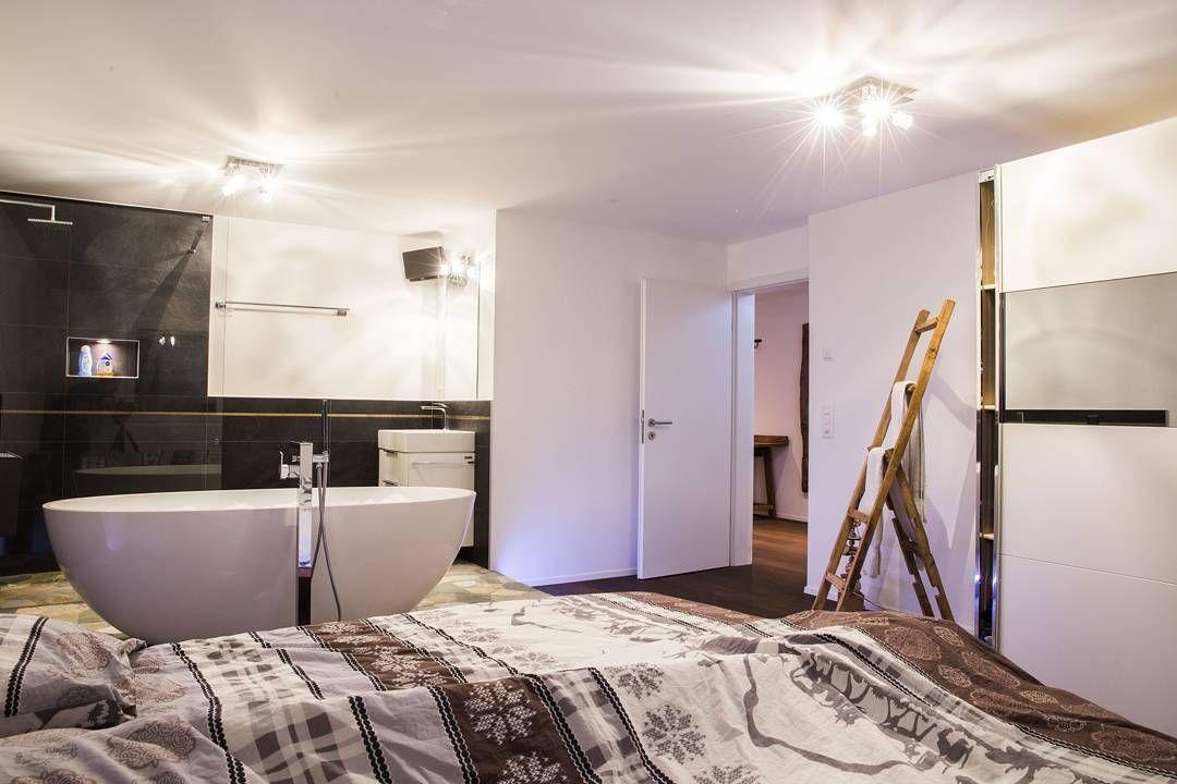 Die #Badewanne im #Schlafzimmer! Ein #Badezimmer zum träumen