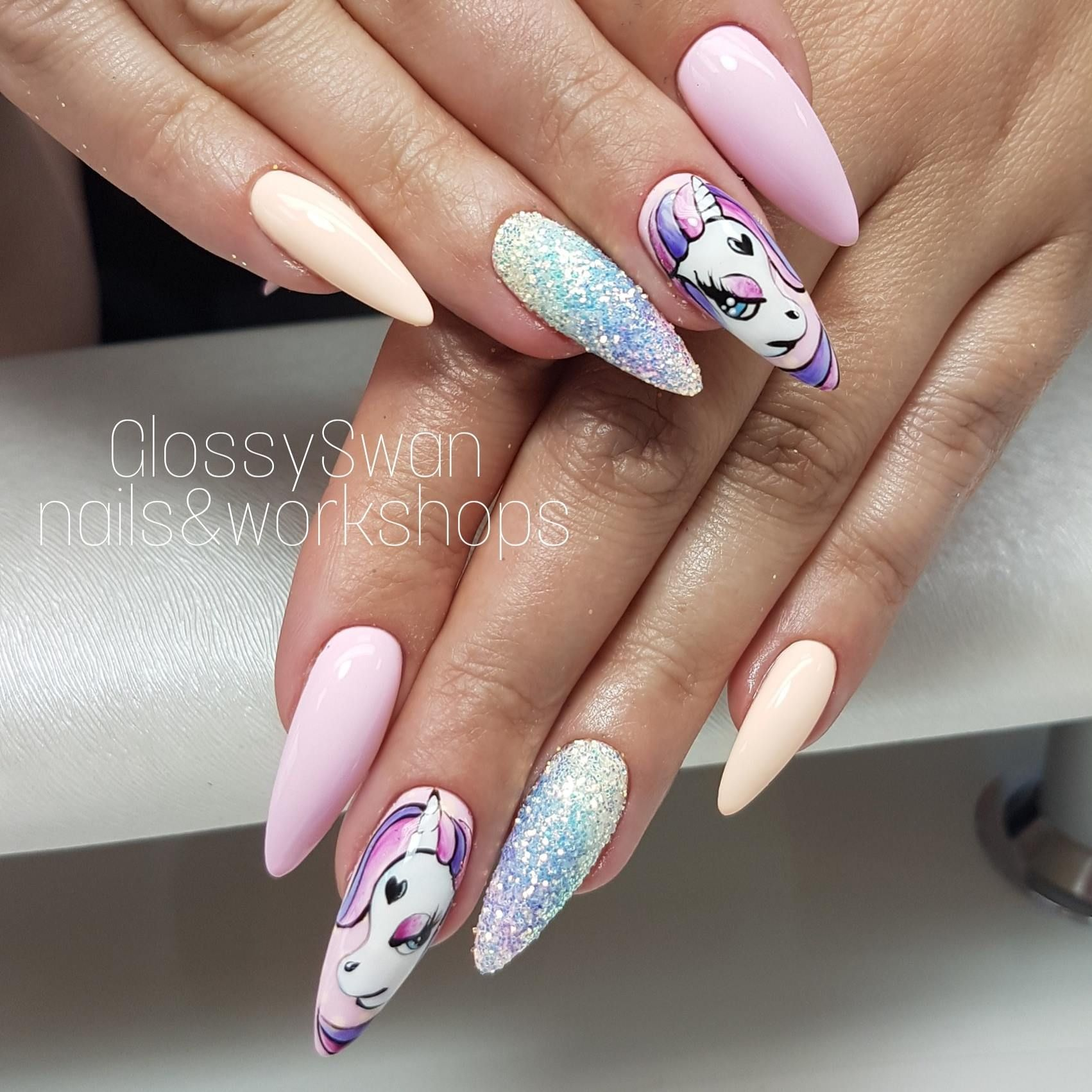 Blond Hair, Don\'t Care Gel Polish by Natalia Siwiec | Nagelkunst ...