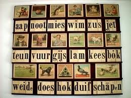 the old 'leesplankje'. You learned to read this way. I know the words by heart.