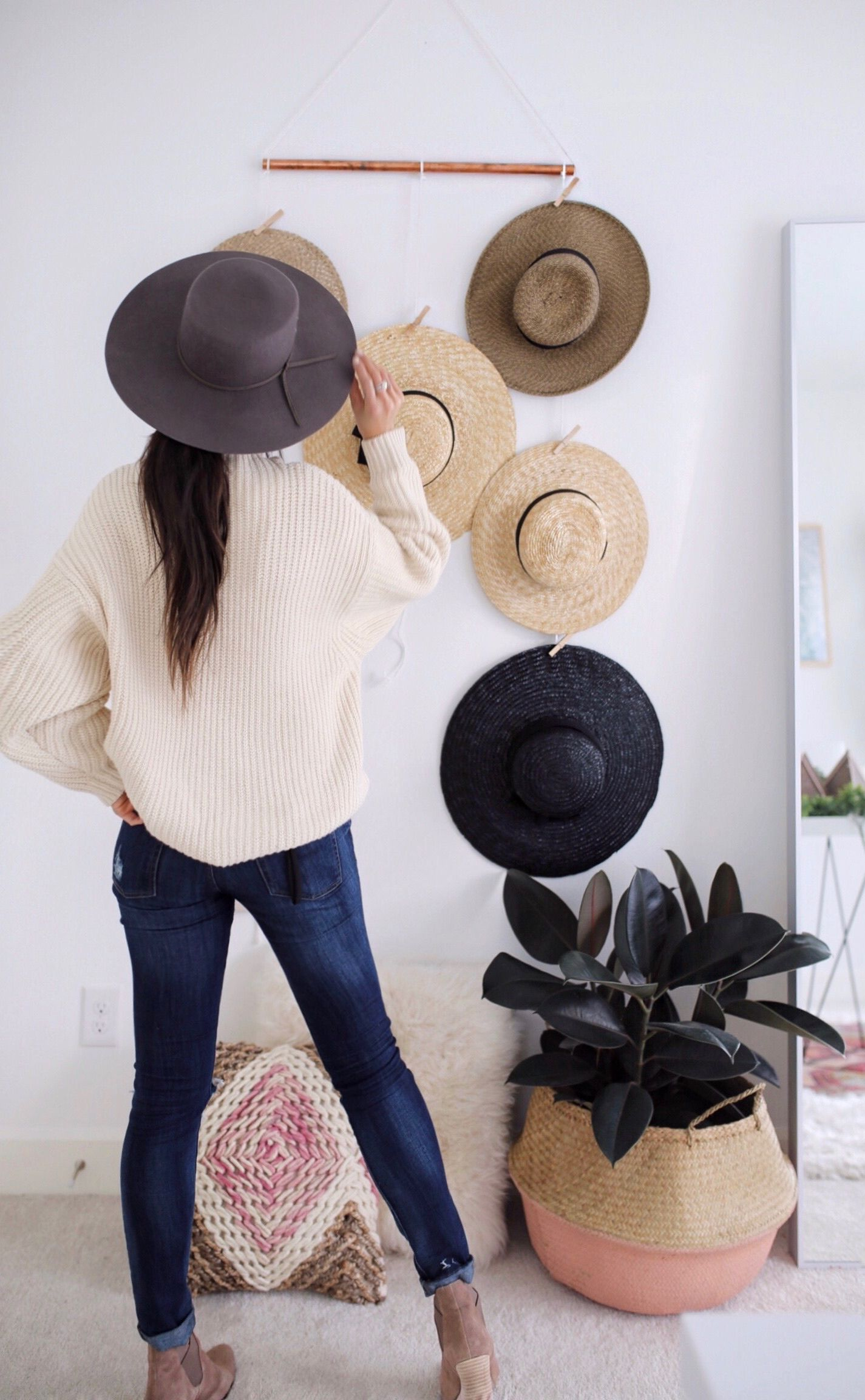 Diy hanging hat rack wall display