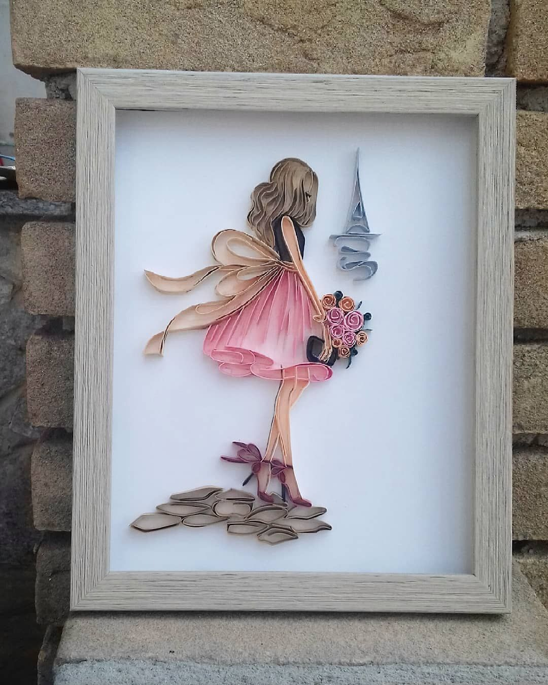 "Quilling,the paper takes shape on Instagram: ""Romantic Dreams #quillucky #quillingart#paperquilling#Lgenpaper . . Please no copy. For reposting give credit"