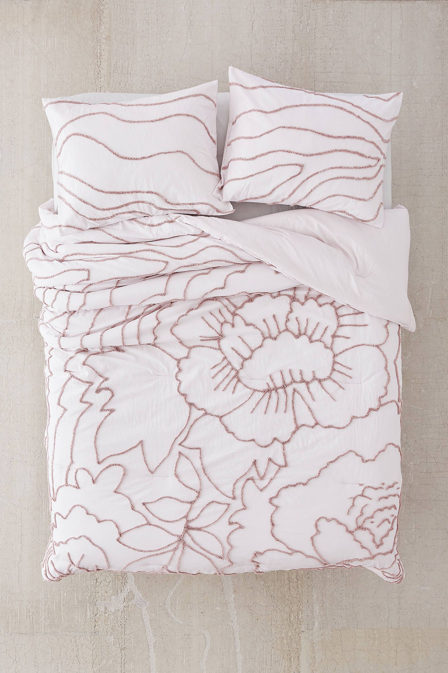 margot tufted floral comforter in 2019 now i lay me down to sleep rh pinterest com