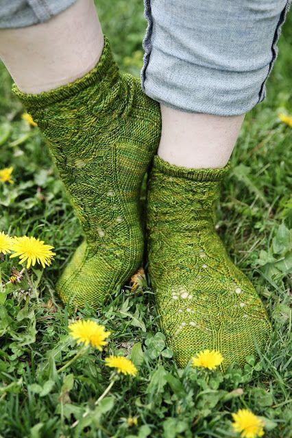 Missä neuloimme kerran: Kesäkukkia-sukkia