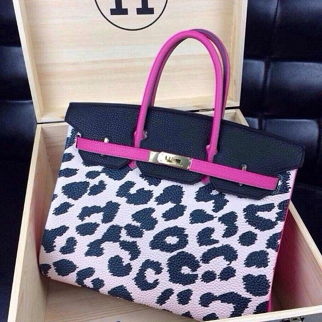 bf40ea36a71 Leopard Bag with Pink. This Pin was discovered by Vanessa Renee. Discover  (and save!) your own Pins on Pinterest.
