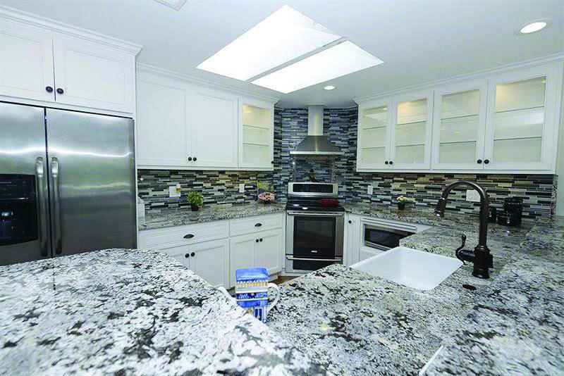 Alaska White Granite With Images White Granite Countertops