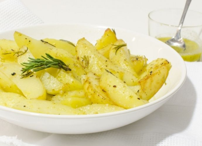 Patatas al ajo-limón para #Mycook http://www.mycook.es/receta/patatas-al-ajo-limon
