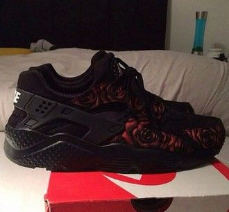 shoes black nike roses red huraches