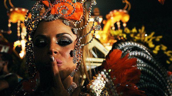 Jéssica Lopes, musa da Nenê de Vila Matilde, desfilou enredo sobre a igualdade