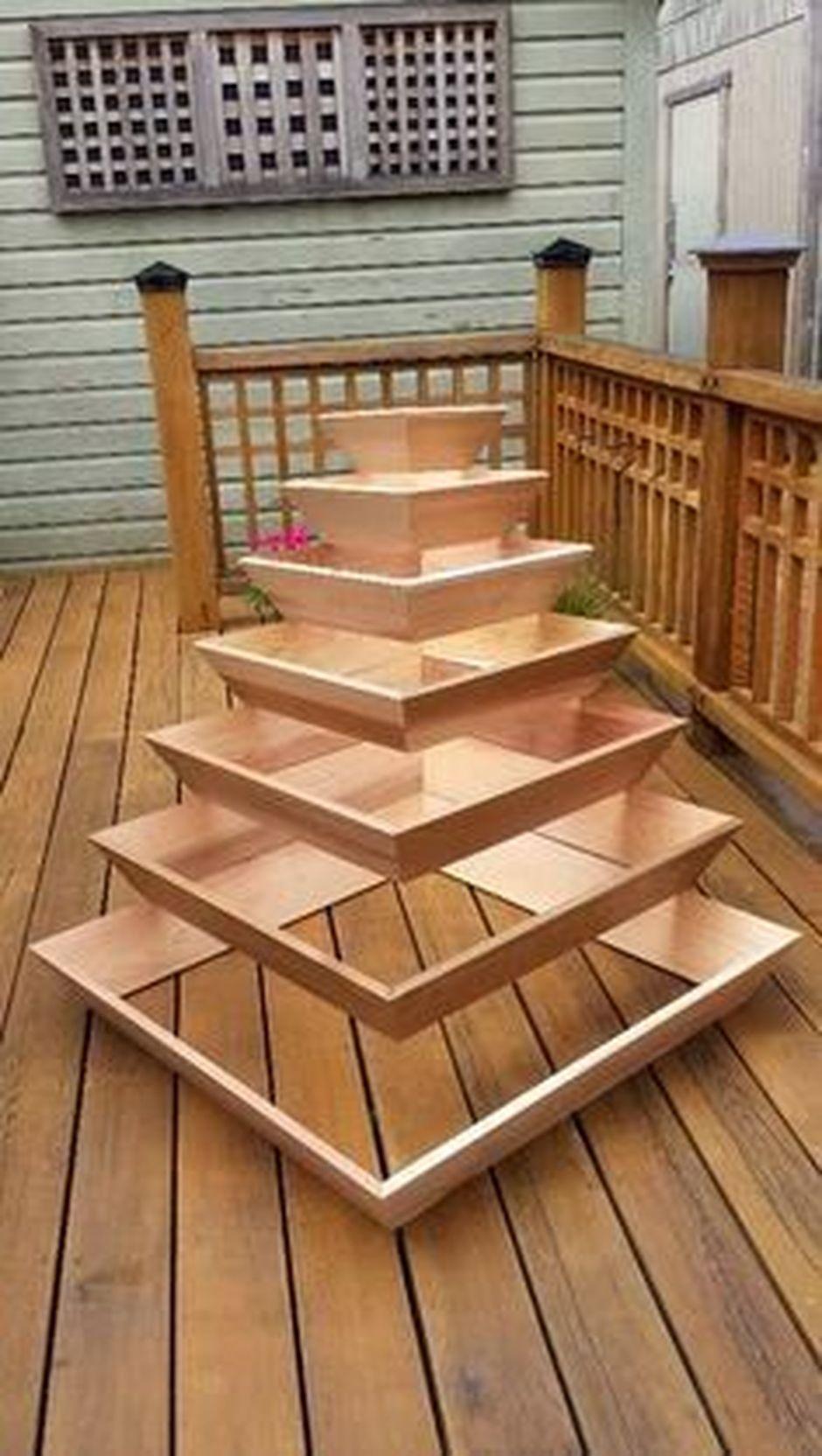 25 Simple Ideas To Make Cascading Garden Planter Macetas 400 x 300