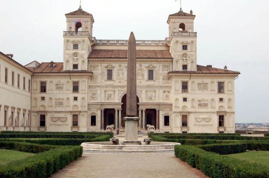 Villa Medici was built by Michelozzo in 1564 His art