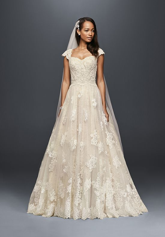 Tulle and lace ball gown with sweetheart neckline   Oleg Cassini at ...