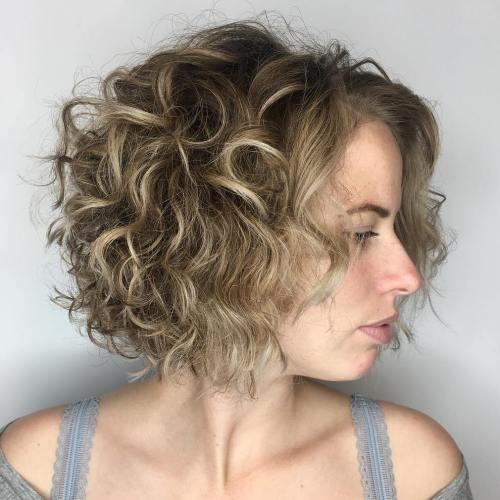 37 Beste Frisuren Mittellang Locken Zum Ausprobieren Bob Frisur Coole Frisuren Lockige Haare